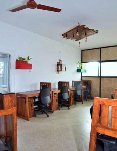 Share Studio Fixed seating